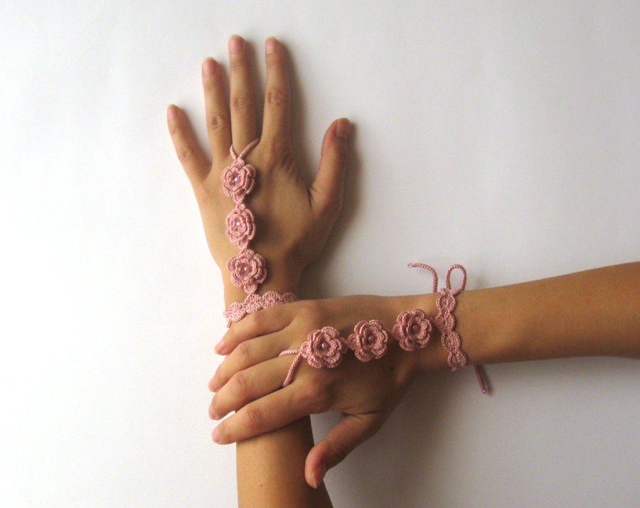 Crocheting With Your Hands : Patterns > Sandals and Cuffs > Crochet Pattern for Spring Flower ...